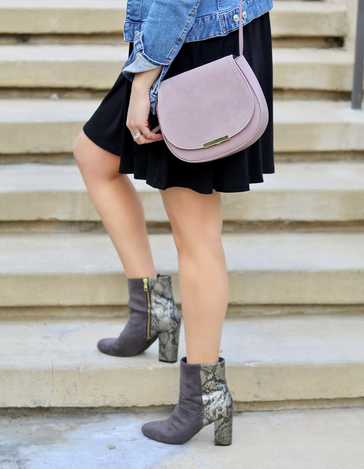 galian handbag blogger, how to wear a purple purse, gray ankle booties