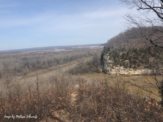 Breathtaking view of ancient bluffs and the Big Muddy from Little Grand Canyon Trail in Shawnee National Forest.