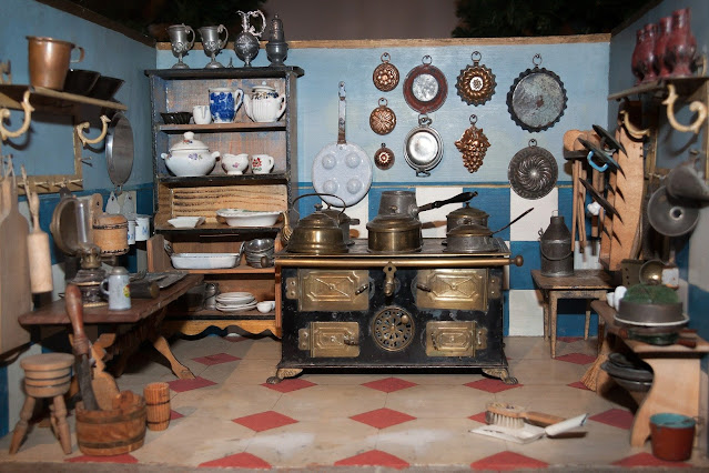 """antique doll house kitchen.Image by <a href=""""https://pixabay.com/users/stux-12364/?utm_source=link-attribution&amp;utm_medium=referral&amp;utm_campaign=image&amp;utm_content=546966"""">Thanks for your Like • donations welcome</a> from <a href=""""https://pixabay.com/?utm_source=link-attribution&amp;utm_medium=referral&amp;utm_campaign=image&amp;utm_content=546966"""">Pixabay</a>"""