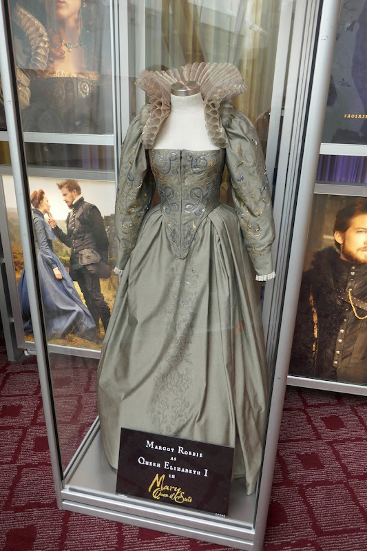 Margot Robbie Mary Queen of Scots Queen Elizabeth I costume