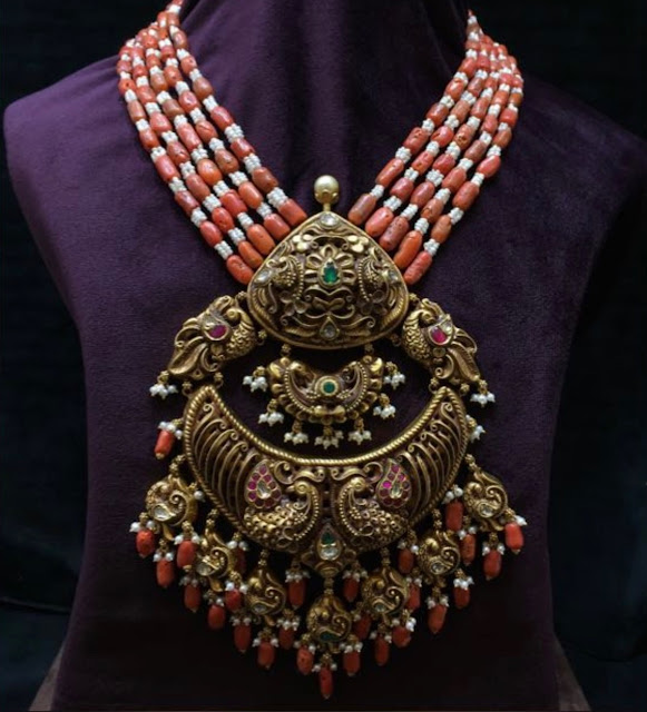 Coral Beads Set with Nakshi Pendant