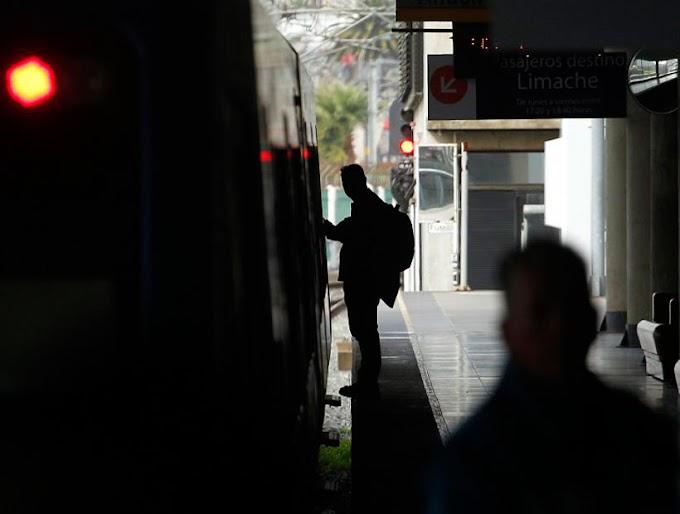 Detienen a joven mientras rayaba estación de metro en Villa Alemana