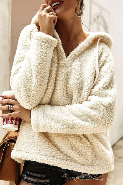 Fall in love this winter season with these cozy sweater outfits. Winter Fashion via higiggle.com | | #sweater #fashion #style