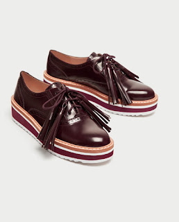 https://www.zara.com/fr/fr/femme/chaussures/tout-voir/derbys-compens%C3%A9s-avec-franges-c734142p4818511.html