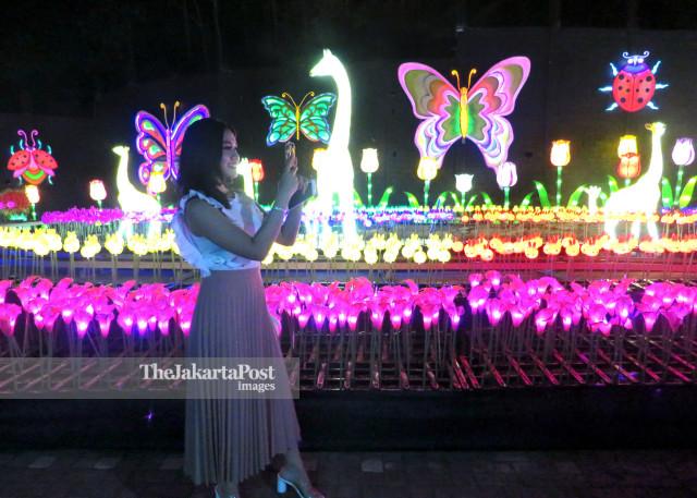 Gemerlap Keindahan Batu Milenial Glow Garden
