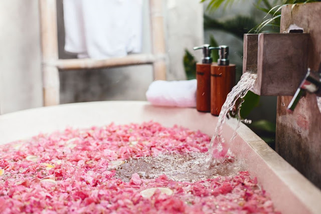 Relax in a tub full of flowers on the tourist island of Bali