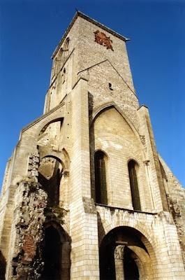 http://lugaressacros.blogspot.com.es/2013/11/tours-basilica-de-san-martin.html