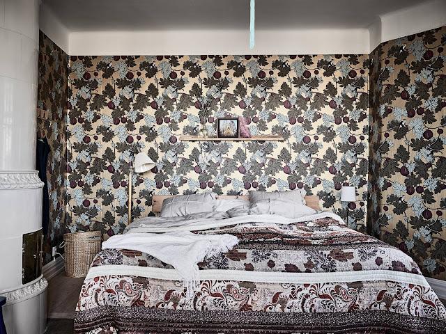 zabytkowy piec kaflowy, sypialnia w kamienicy