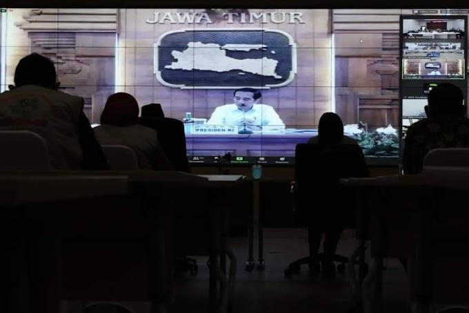 Beri Arahan Covid-19 di Jawa Timur, Presiden Harap Penanganan Kesehatan Ekonomi Seimbang
