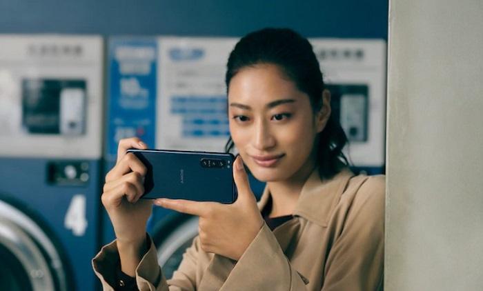 Dedicated Shutter Button Sony Xperia 5 II