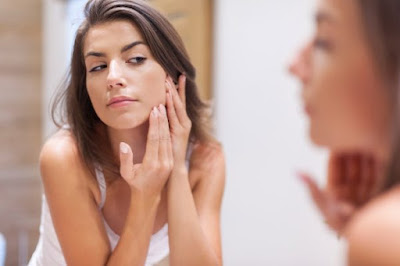 what are the symptoms of acne, And how is acne treated