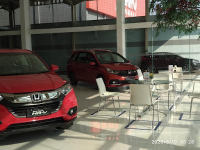Mobil Honda HRV Warna Merah, Mobil Honda Mobilio warna Merah