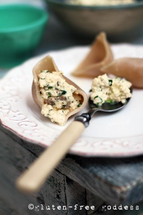 Stuffing gluten-free pasta shells