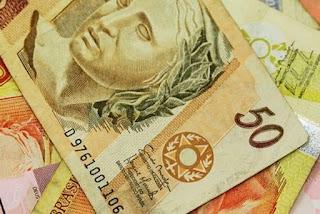 Governo confirma parcela do auxílio emergencial em R$ 250