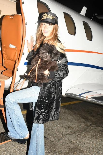 Libbie Mugrabi – Seen boarding a private jet to Miami