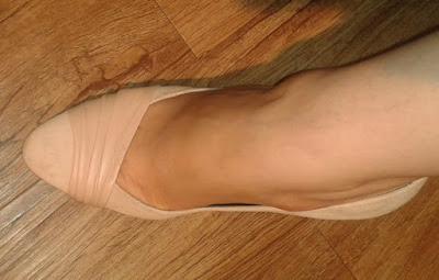 giuseppe-zanotti-cream-suede-heels
