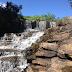 Esgoto e entulho desfocam cachoeira com potencial turístico em Irati (PR)