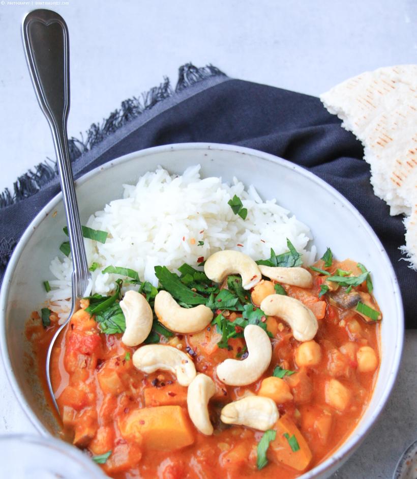 Zucchini-Curry mit Cashewnüssen
