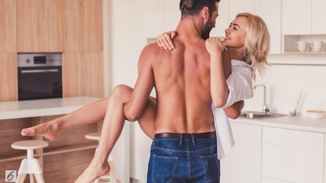 Pakai KB spiral IUD tetap bisa membuat Anda bercinta