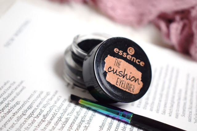 Essence Cushion Liner