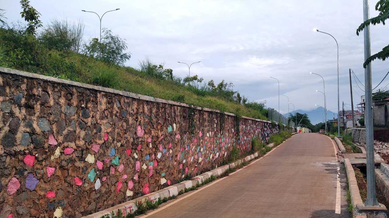 Foto sudut jalan tol Depok Sawangan Depok Antasari