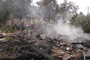 Rumah Ludes Dilalap Si Jago Merah, Seorang Janda Kini Harus Mengungsi di Rumah Tetangga