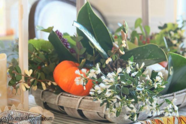paper, plates, blue, white, plaid, elegant, simple, Thanksgiving, tablescape