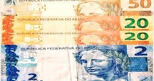 A foto  mostram as cédulas e o Valor do Salário do mínimo do nacional de 2016. Valor de R$ 92 noventa e dois reais.