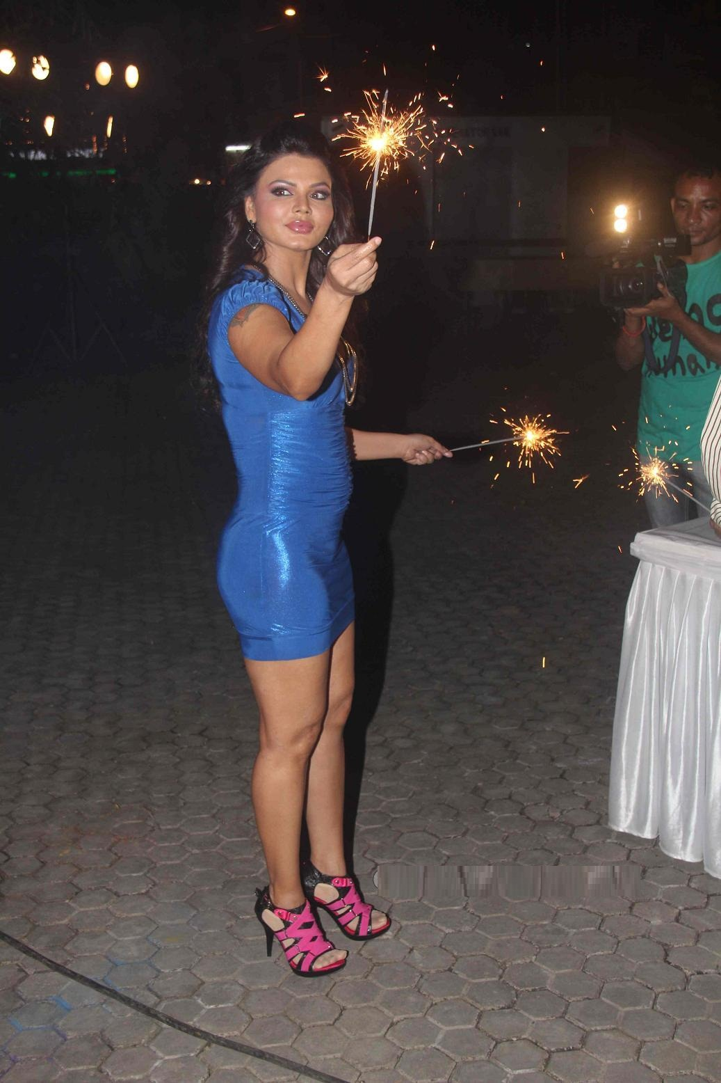 Rakhi Sawant Latest Hot Thighs Upskirt Photos -6006