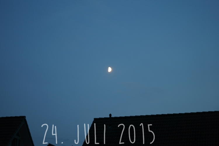 Blog + Fotografie by it's me! - knallblauer Nachthimmel am 24. Juli 2015