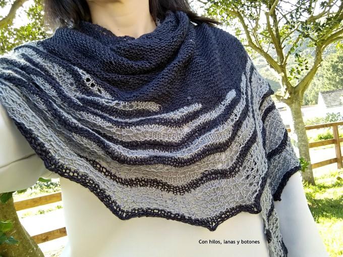 Con hilos, lanas y botones: Good Vibes Shawl