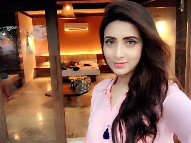 Bidya Sinha Saha New Sexy Selfie
