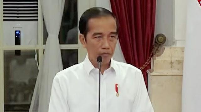 Pengamat Voxpol Center: Pemerintahan Jokowi Baperan saat Dikritik