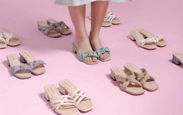 Jenis Sandal Wanita Untuk Acara Jalan-Jalan