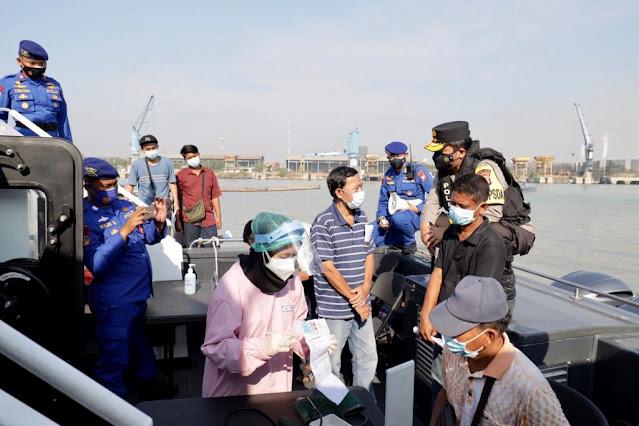 vaksinasi di atas kapal