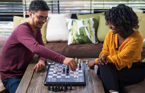 L'échiquier Chess up affiche tous les mouvements possibles lors d'une partie, ainsi que leur évaluation