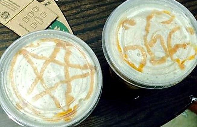 Café con símbolos satánicos en espuma