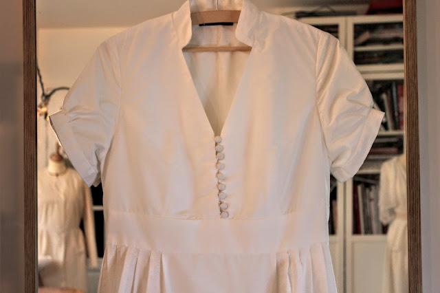 Robe de mariage par couturière sur mesure à Versailles