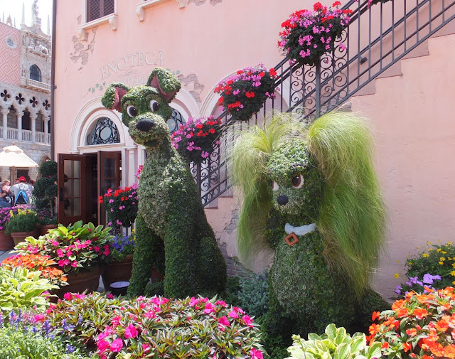 EPCOT Topiary The Lady and the Tramp