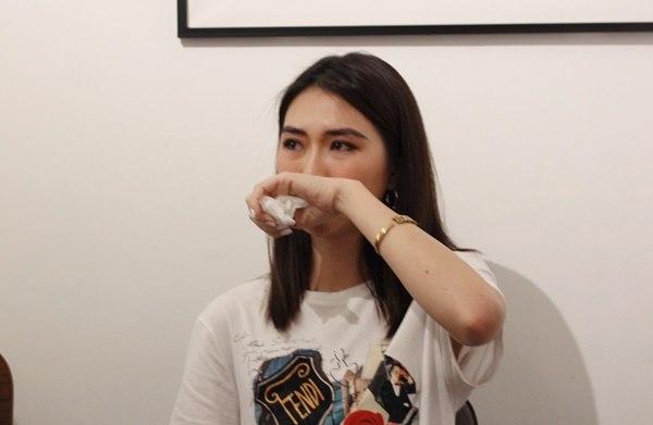Hoa hậu Tường Linh bật khóc, kiện nguồn tin vu khống mình bán dâm 50.000 USD