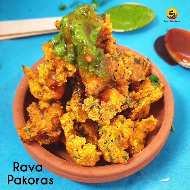 Rava pakoras /semolina Fritters are deep fried snack with the goodness of kasuri methi and corriander leaves. A perfect monsoon snack.can we make pakoras with rava , no besan pakora , bina besan ka pakoda , rava pakodas, semolina fritters ,monsoon snack , rava dumplings ,semolina dumpling