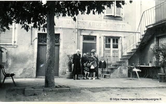 Auberge Chardonnet, faubourg de Mozac 1949.