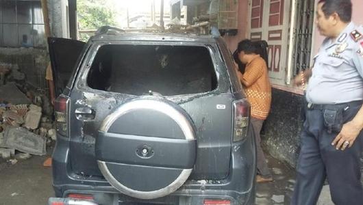 Detik-detik Mobil Caleg PDIP Sleman Diduga Dibakar Orang Misterius