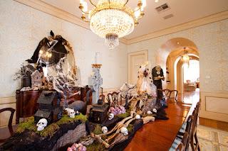 Ruang Makan dengan Tema Halloween