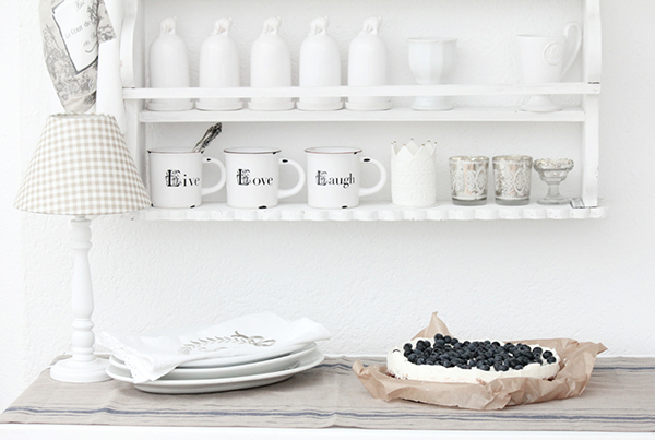 This Is A Stunning Version of Neutral Shabby Chic Style