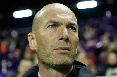 """""""Ông trùm"""" Real cảnh báo Zidane, lấy huyền thoại ra dọa đoạt """"ghế nóng"""""""