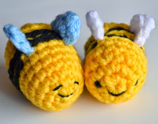 http://www.popsdemilk.com/wp-content/uploads/2014/05/Busy-Buzzy-Bee-Pattern.pdf