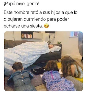 Niños dibujando papa mientras duerme la siesta