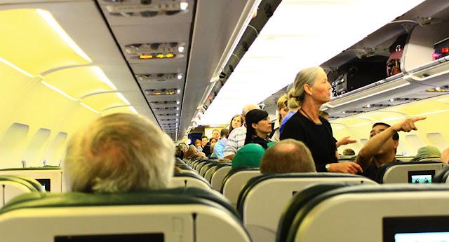 أمريكا تدرس حظر دخول المسافرين من أوروبا لاحتواء كورونا