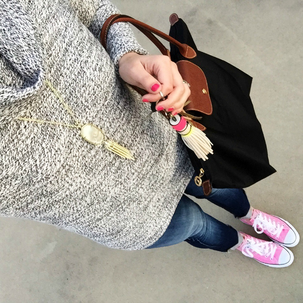 kendra scott necklace, longchamp, converses